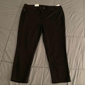 Style & Co Black MidRise Comfort Waist Capri 2X